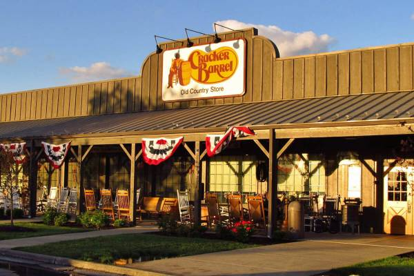 restoran cracker  barrel