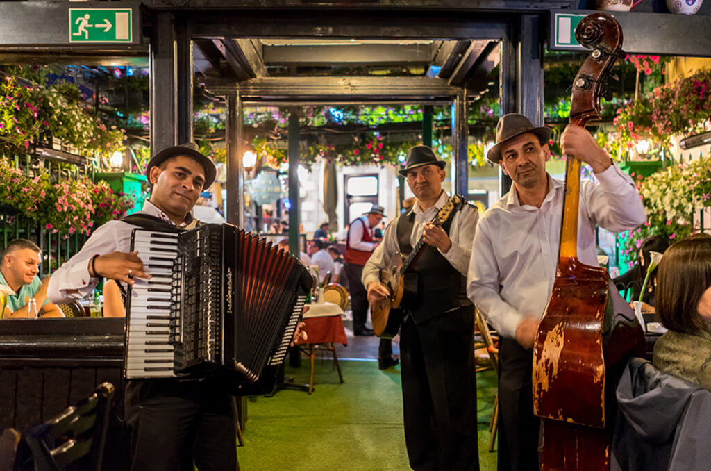 Risultati immagini per kafane belgrado music